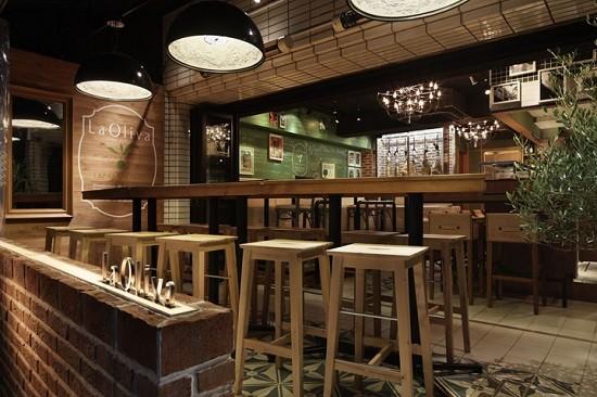 Hướng Dẫn Chọn Bàn Ghế Quầy Bar Quán Cafe Đẹp Sang Trọng -5