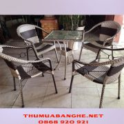 thanh-ly-bo-ban-ghe-cafe-nhua-gia-may-1