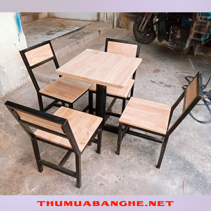Thanh Lý Bộ Bàn Ghế Cafe Khung Sắt Mặt Gỗ -1