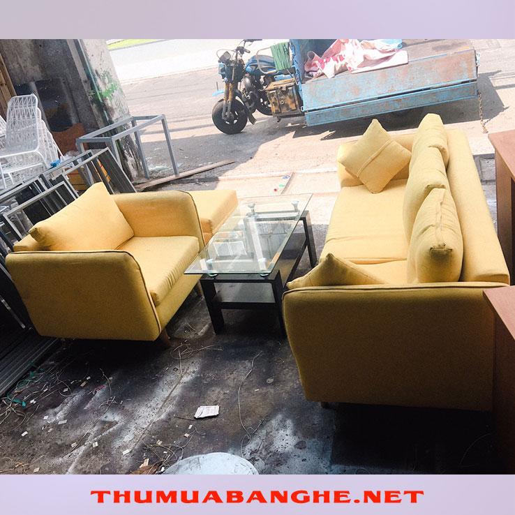 Bộ Bàn Ghế Sofa Cũ Bọc Vải Màu Vàng -1
